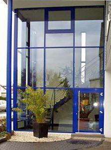 Eingang Buerogebäude