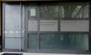 Eingangsportal anthrazit