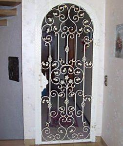 Gittertür