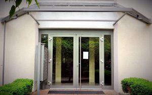 Hausverwaltung Eingangsportal
